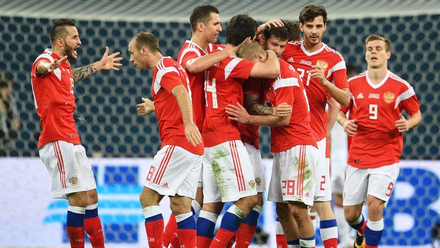 Вратари станислав черчесов успел перепробовать уйму футболистов на разных позициях.
